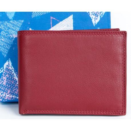 Kvalitní červená peněženka z měkké kůže bez značek a nápisů