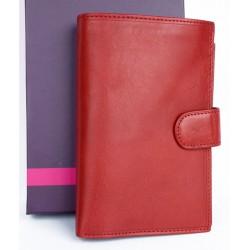 Velká červená peněženka z měkké kvalitní kůže s vyjímatelným pouzdrem na cestovní pas