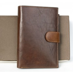 Velká peněženka z pevné velmi kvalitní kůže s vyjímatelným pouzdrem na cestovní pas